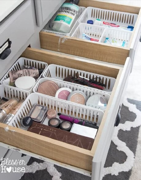 small plastic basket for bathroom storage
